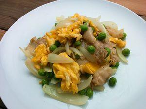 豚バラ肉とグリーンピースの卵炒め